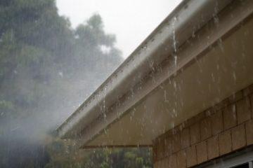 Reception d'eaux pluviales par gouttière